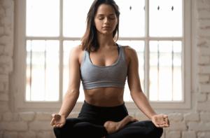 瞑想する女性(立川)